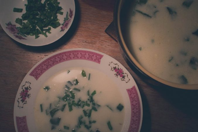 polievka s medvedím cesnakom