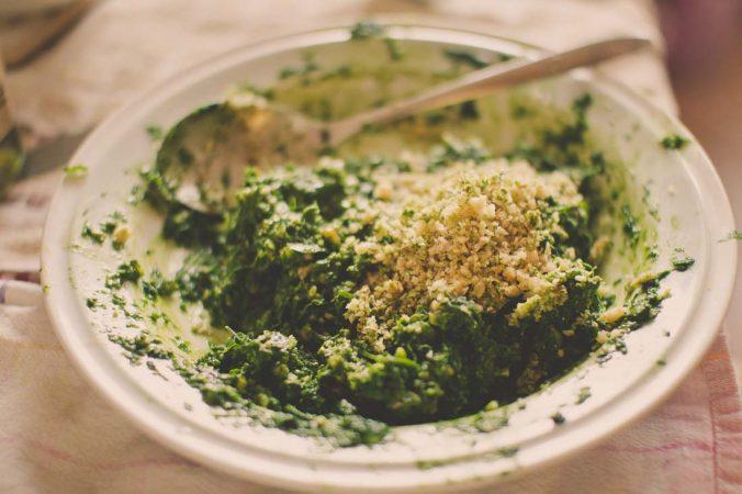 Pesto z cesnaku s vlašskými orechmi