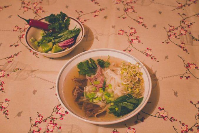 Recept na pho bo vietnamskú polievku